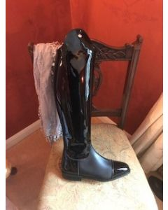 Konig Palermo in Black Patent size 6, 54/47 height, 36 calf